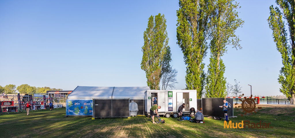 Ultimate Warrior Run Roermond 2019 - Toilettenwagen & Schnellpinkelbereich für Männer