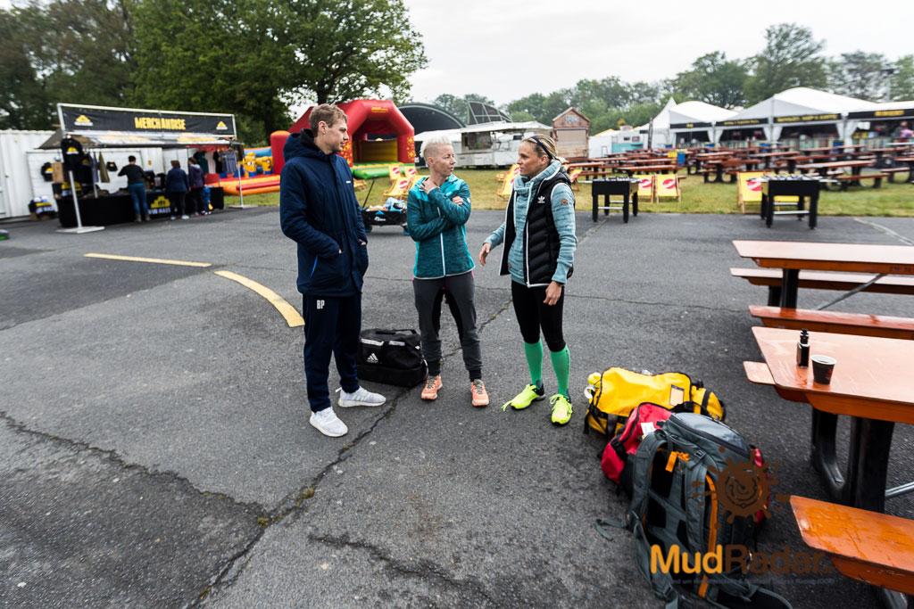 drei Freunde beim Mud Masters Airport Weeze 2019